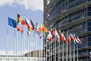 UE: Europosłowie przeciwko nieuczciwym praktykom