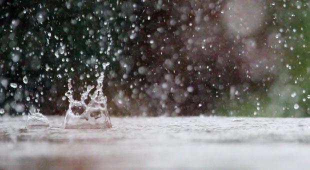 IMGW ostrzega przed intensywnym deszczem. Na południu Polski alert drugiego stopnia