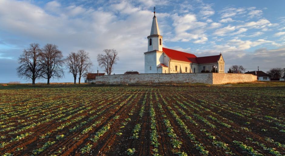 Rozprawa apelacyjna ws. handlu kościelną ziemią przerwana do 25 lipca