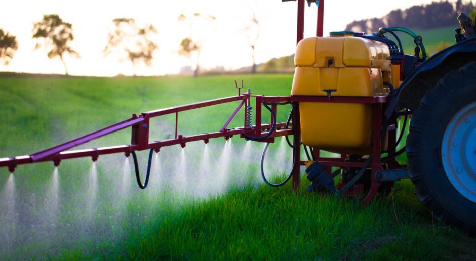 KE przedłuża zgodę na stosowanie glifosatu do 2017 roku