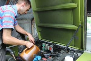 Ze względu na specyficzne warunki pracy kombajnu warto postawić na olej silnikowy dobrej jakości i dopasowany do charakterystyki pracy, fot. K. Hołownia