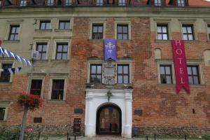 Przyjeżdżający do term mogą się zatrzymać w Zamku Arcybiskupów Gnieźnieńskich.