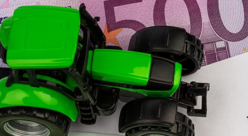 Zmniejsza się wartość finansowania maszyn rolniczych