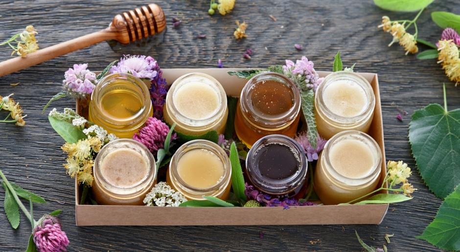 Warmińsko-mazurscy pszczelarze: Deficyt niektórych gatunków miodu