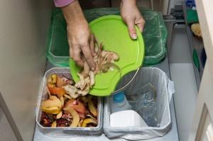 MŚ: Niski wzrost poziomu recyklingu śmieci w gminach