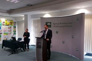 ARiMR o ułatwianiu rolnikom dostępu do unijnej pomocy