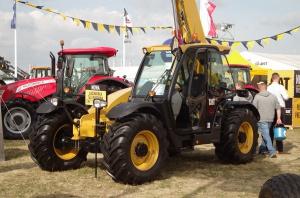 Ładowarka dla rolników Caterpillar TH3510D - polska premiera