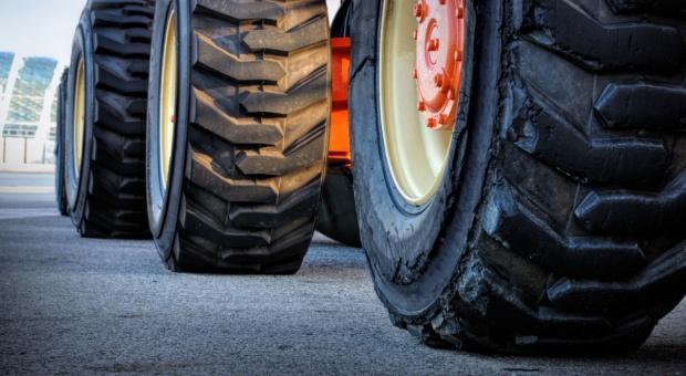 Śląskie: Uczestnicy nietypowej pielgrzymki na traktorkach dotarli do Francji