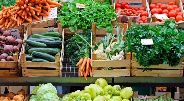 Tanie warzywa na rynku hurtowym w Broniszach