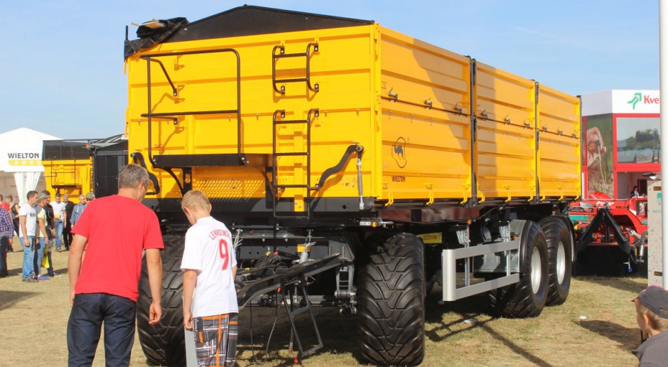 Ta przyczepa z Wieltonu ma niemal 20 ton ładowności