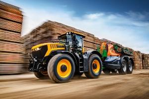 Nowe ciągniki JCB Fastrac serii 8000
