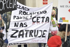 Protestujący przeciw CETA i TTIP: To protest przeciw wszechwładzy korporacji (zdjęcia)