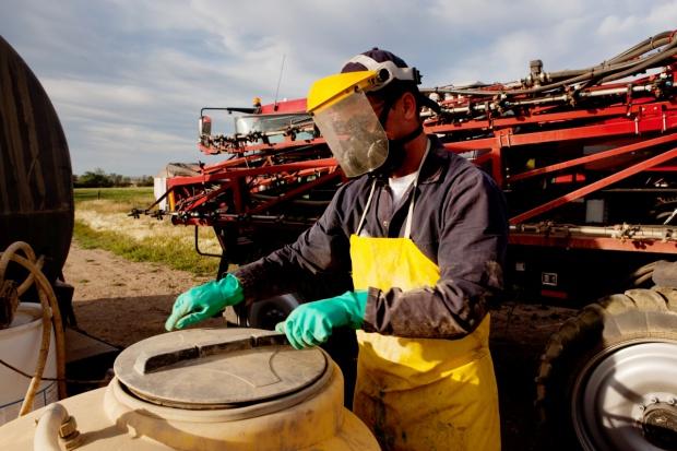 UE rozważa zmianę zasad wydawania zezwoleń na stosowanie środków ochrony roślin