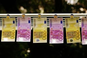 Kupujesz maszyny w Niemczech? W internecie kupisz taniej euro