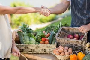 Rolnik zapłaci dwuprocentowy podatek za sprzedaż plonów?
