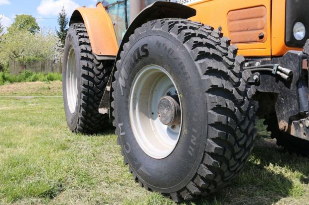 Nowe rozmiary opon komunalnych Mitas serii HCM