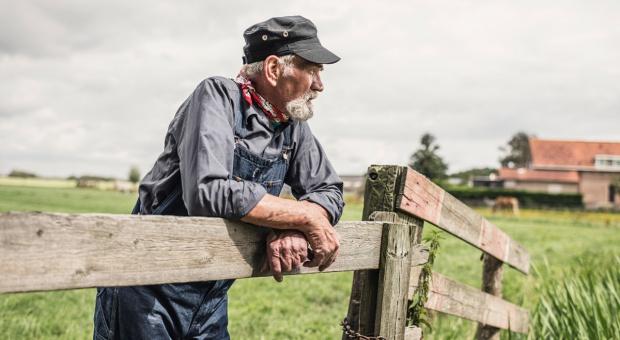 Emerytura rolnicza - można zachować gospodarstwo, ale...