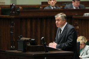 Jurgiel: KE nie może nakazać sprzedaży państwowej ziemi