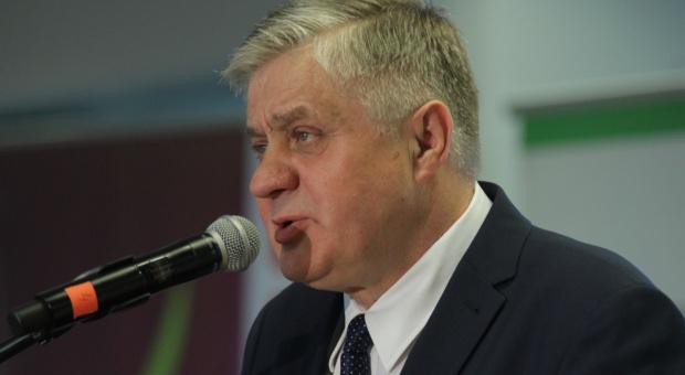 """Jurgiel na konferencji """"Narodowe wyzwania w rolnictwie na Narodowym"""": Realizujemy plany"""