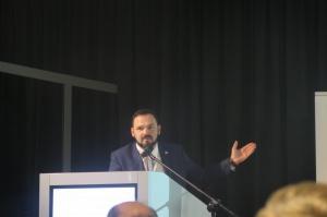 Kamil Wyszkowski (UN Global Compact) wygłosił prezentację dotyczącą zrównoważonego rolnictwa i eutrofizacji Bałtyku