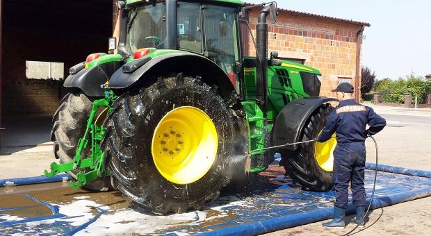 Jak zabezpieczyć maszyny na zimę?