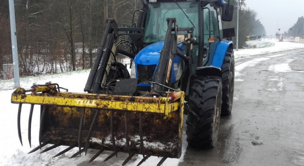 Traktorzysta na podwójnym gazie wpadł przez krokodyla