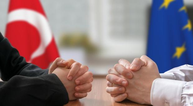 KE chce rozszerzenia porozumienia handlowego z Turcją
