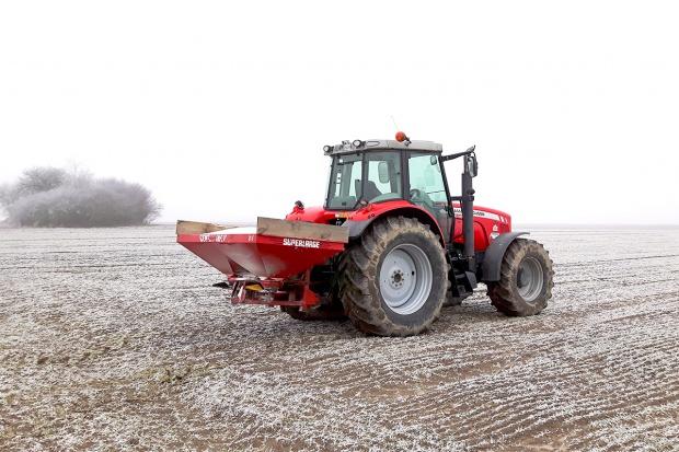Nawożenie azotowe wiosną - kiedy, ile i czym?