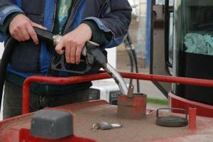 Olej napędowy - kupić teraz czy czekać do wiosny? Ceny powinny być stabilne