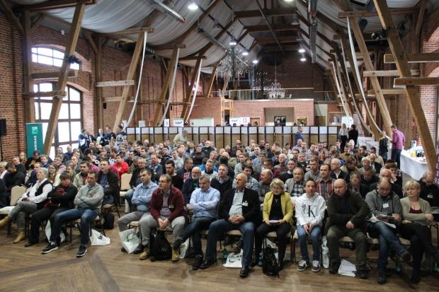 Na zamku Topacz ruszyła pierwsza konferencja Farmera [Zdjęcia]