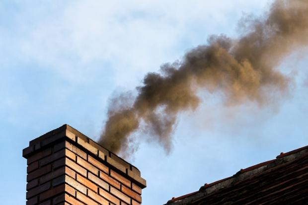 Śląskie: Smog ustąpił, ale niewielkie przekroczenia norm nadal możliwe