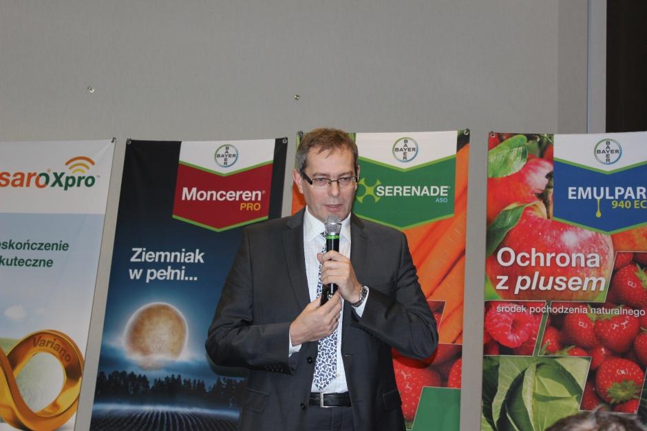 O zmniejszeniu chorób w zbożach za pomocą technologi Fusaro Xpro opowiedział Dariusz Szymański. Fot. J.Groszyk