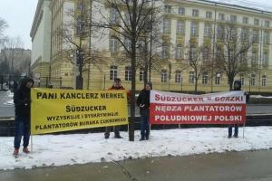 """""""Gorzki Suedzucker"""" - trwa pikieta pod KPRM"""