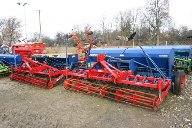 Popularne 3-metrowce czyli używane agregaty uprawowo-siewne