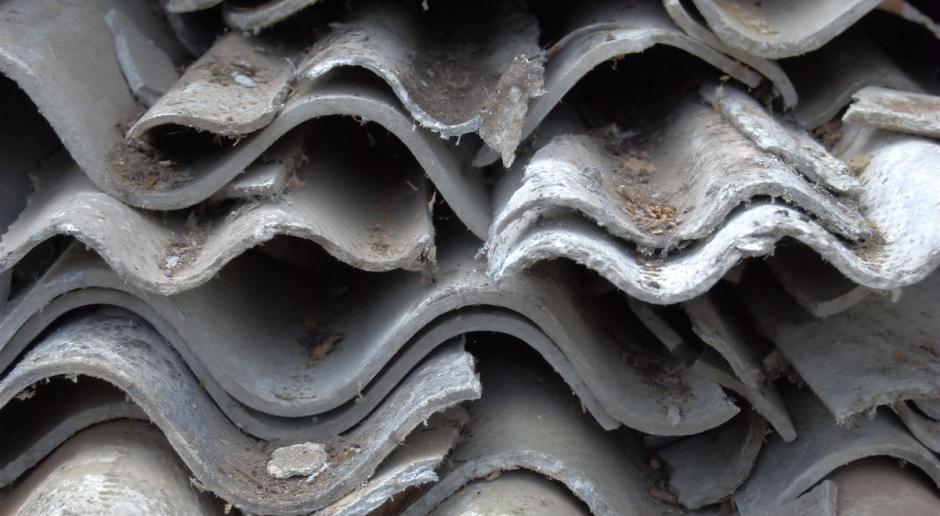 69 gmin uczestniczyło w programie usuwania azbestu