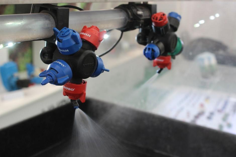 Rozpylacze Hypro 3D umieszcza się na belce naprzemianlegle, fot. kh