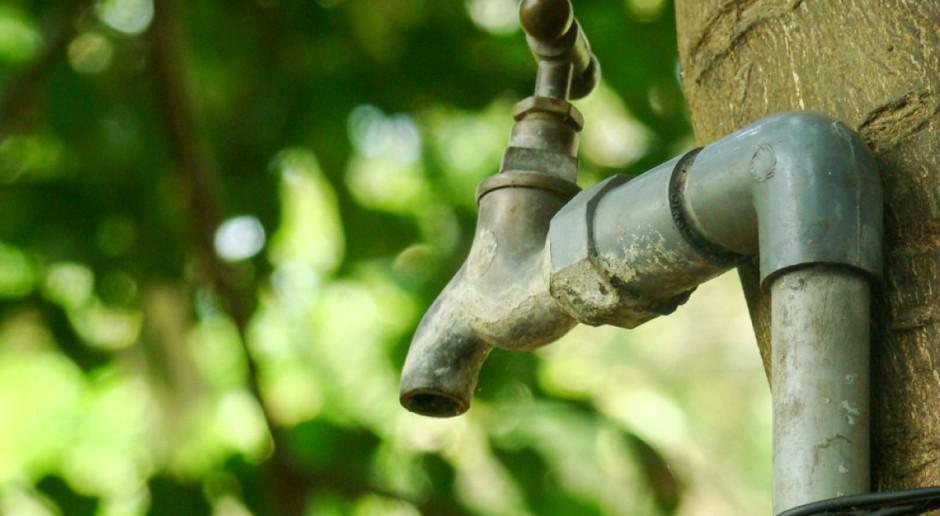 Małopolskie: Mieszkańcy powiatu brzeskiego bez wody z powodu skażenia