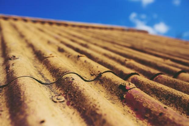 Dofinansowanie do usuwania eternitu z dachu