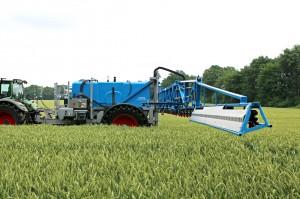 Opryskiwacze Albatros to większe maszyny w których pojemność zbiorników wynosi od 4 do 6,2 tys. l