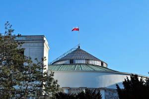 Schetyna: Minister Jurgiel nie dba o interes polskich rolników