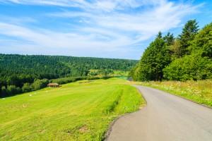 Podkarpackie: Podpisano umowy na inwestycje na obszarach wiejskich