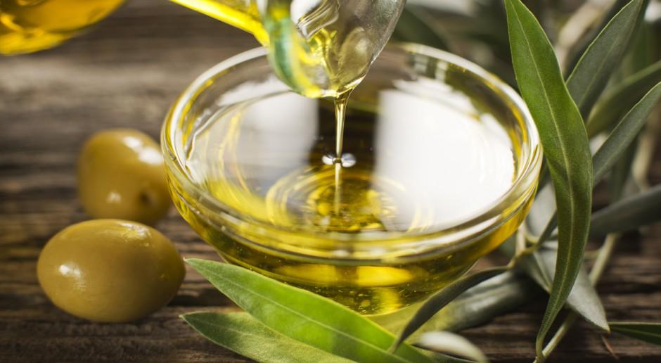 Sprzedawali olej sojowy jako wysokiej jakości oliwę