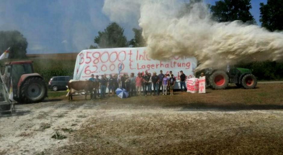 Niemcy: Manifestacje w sprawie mleka w proszku