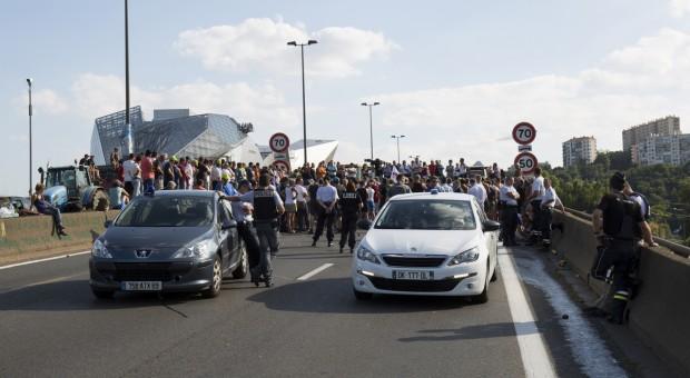 Rolnicy protestowali w Paryżu przeciwko polityce rządu