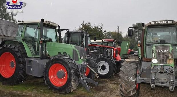 Cztery kradzione ciągniki w firmie sprowadzającej  sprzęt rolniczy