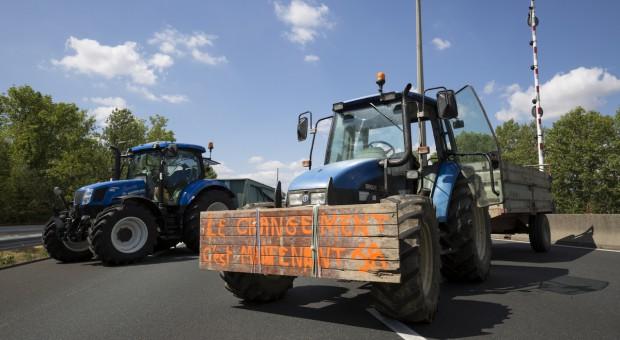 Ostrożna reakcja rolników na propozycje reform Macrona