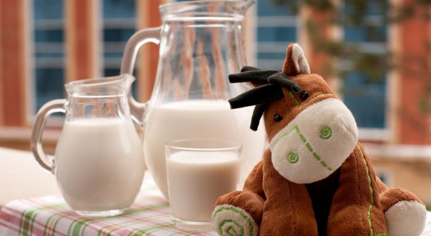 Afera w Anglii. Wypili  mleko, trafili do szpitala