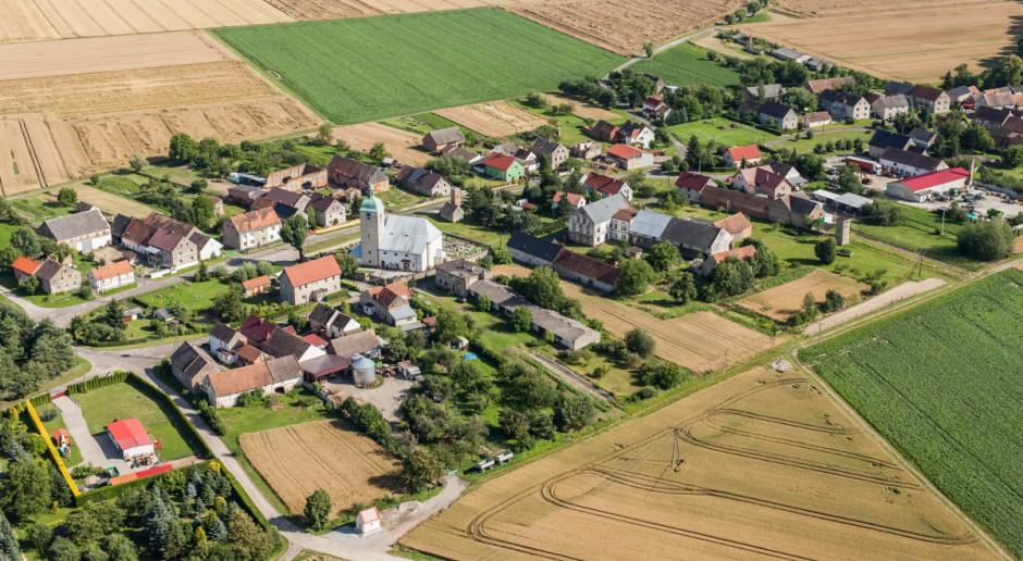 Coraz mniej mieszkańców wsi żyje z rolnictwa