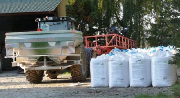 IERiGŻ: Nawozy mineralne do końca roku będą tanieć, w nowym roku – podrożeją