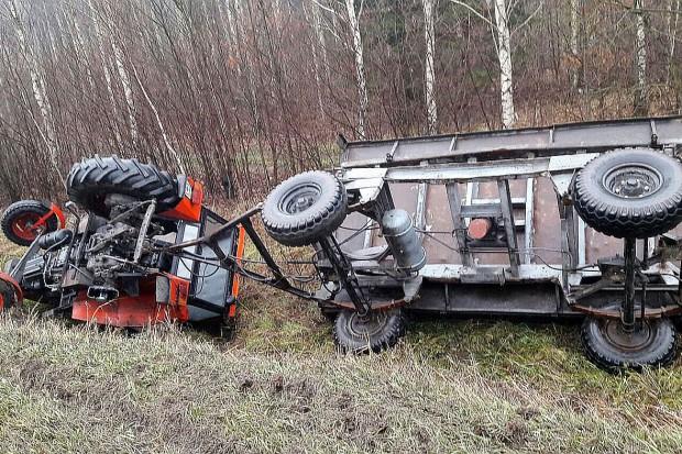 Szarża pod Grunwaldem: Pijany kierowca dachował ciągnikiem w rowie